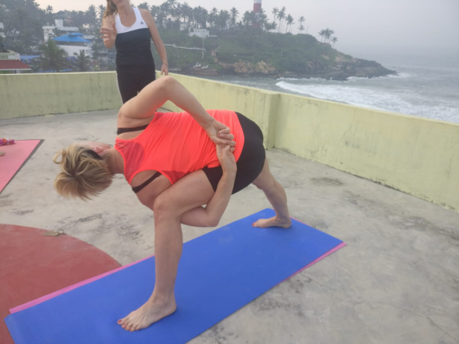 Aldi Kühlschrank Yoga : Yoga im turm.de u2013 yoga mit erika im turmzimmer im marienbachzentrum